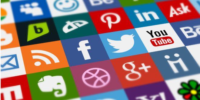Uno de cada cinco españoles gasta más de tres semanas al año usando redes sociales
