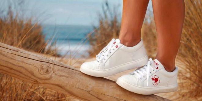 Bullfeet crea artesanalmente calzado ecológico utilizando plástico reciclado del mar