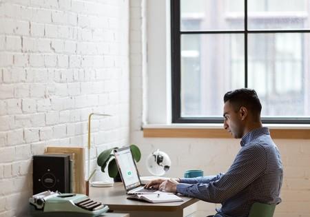 Tan solo el 34% de los españoles que han teletrabajado han dispuesto de ordenador y móvil de empresa