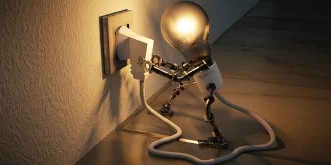 Cómo reducir la factura de la electricidad de una empresa tras la irrupción de la pandemia del COVID-19