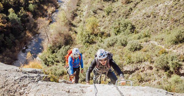 El turismo de Aragón se une para hacer sus peticiones a Pedro Sánchez