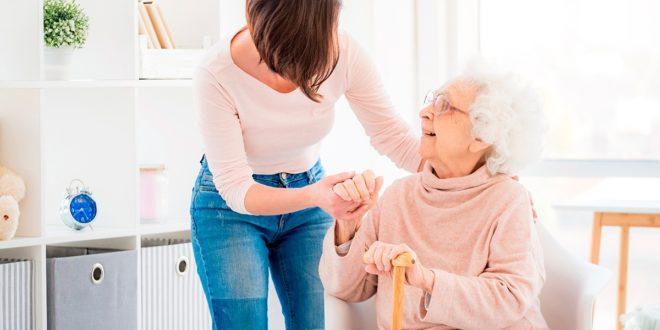El cuidado de las personas mayores se convierte en una oportunidad de inversión en el futuro