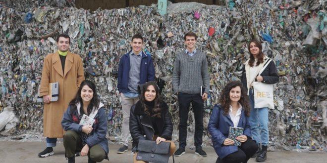 Más de la mitad de los emprendedores que ponen un negocio en marcha en España son estudiantes