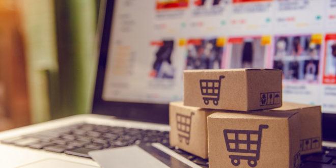 Casi la mitad de los españoles vende artículos por internet