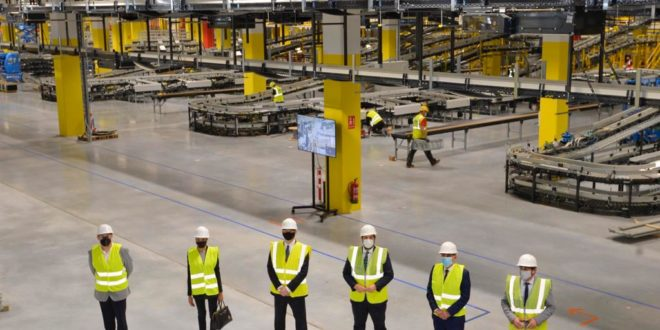 El centro logístico robotizado de Amazon en Murcia creará 1.200 empleos en tres años